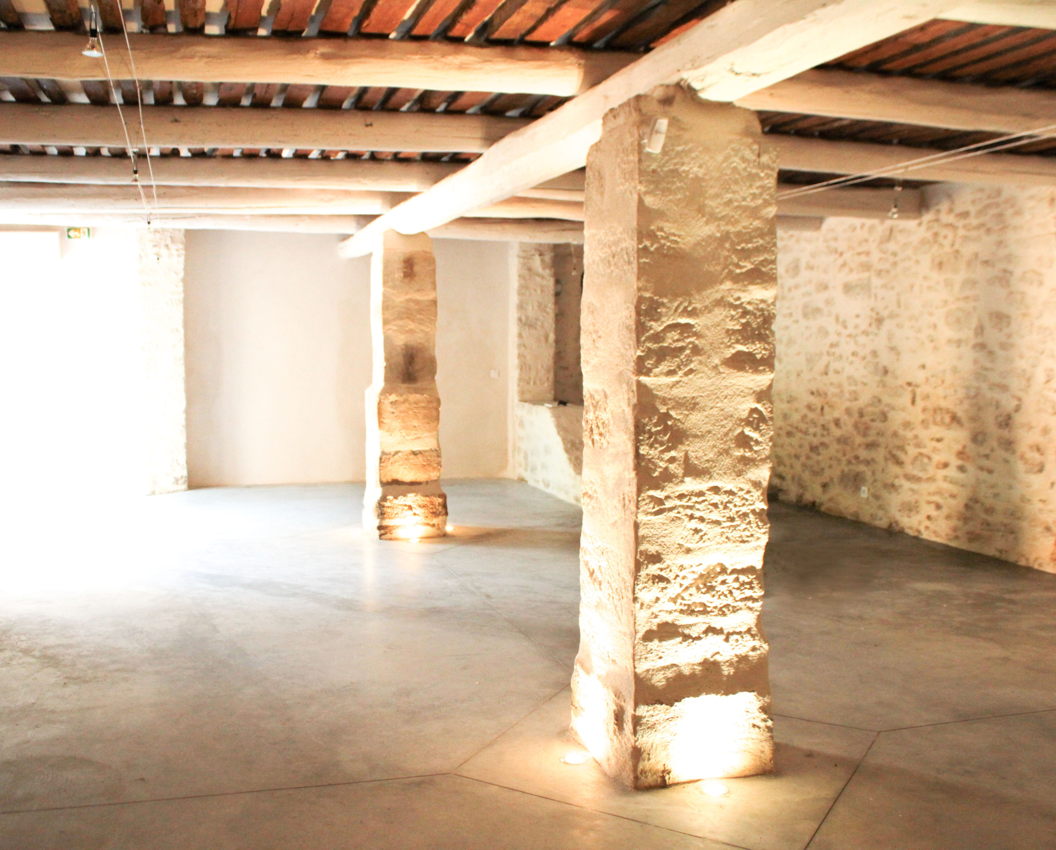Salle des Écuries Abbaye du Grand Gigognan